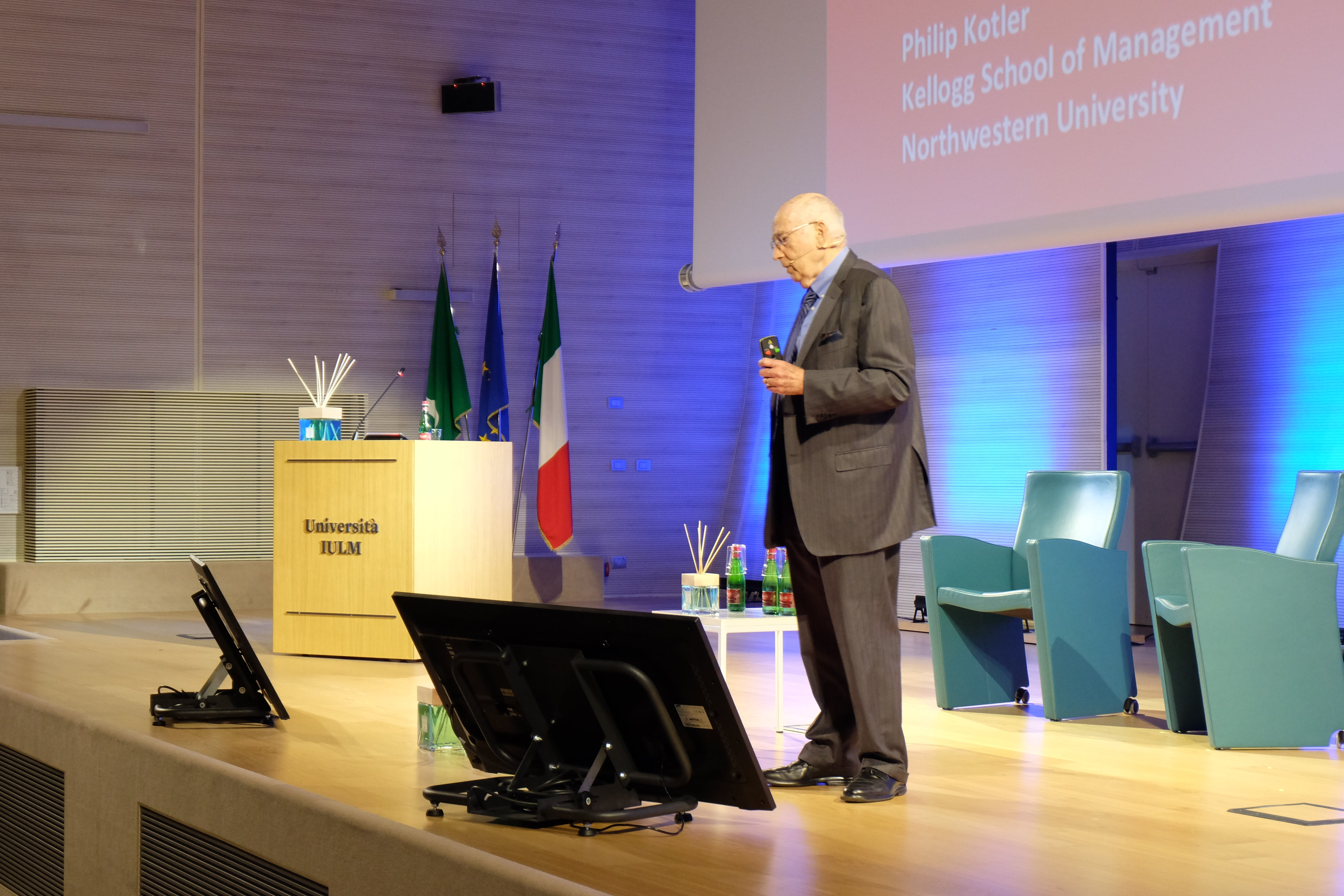 Philip_Kotler_Marketing_Forum_Socia_Reporters (4)-min